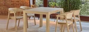 Designerski dębowy fotel CAVA ze stołem SINPLE