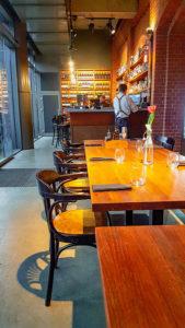 Meble restauracyjne oferty www.radomskomeble.pl w restauracji Indian Steak w Poznaniu