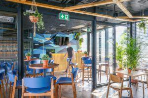 Restauracja Nowa Fala Bulwar Pattona Warszawa - krzesła barowe CAVA