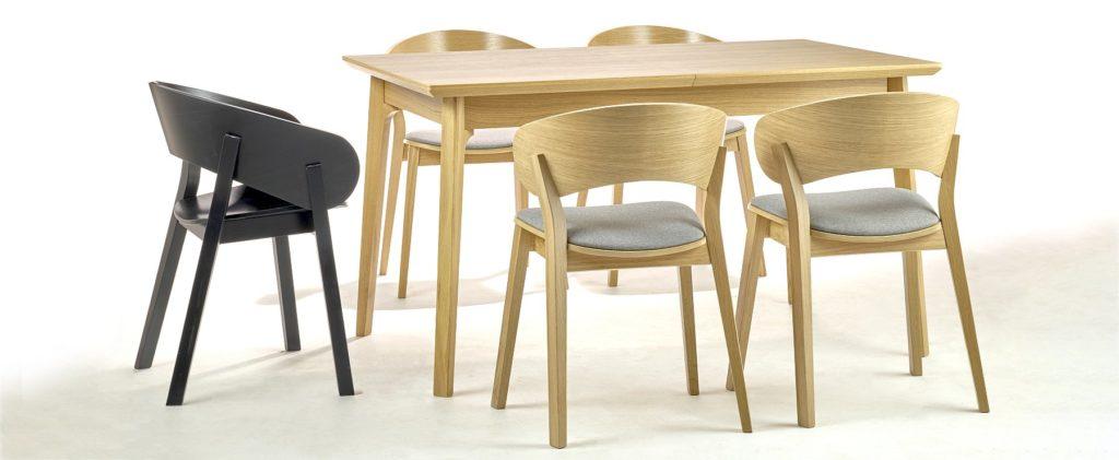 Designerski stół i krzesła dębowe DOMA projektu Yago Sarri